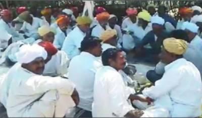 Indian Muslims fleeing village after Hindu priest threats