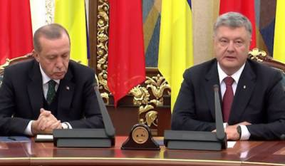 Tayyip Erdogan falls asleep during press conference with Ukraine counterpart