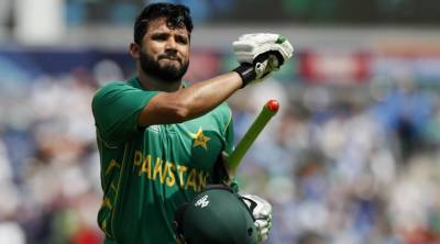 Azhar Ali reaches England for knee injury treatment