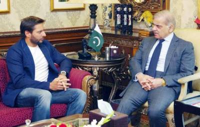 Shahid Afridi meets Shehbaz Sharif in Lahore