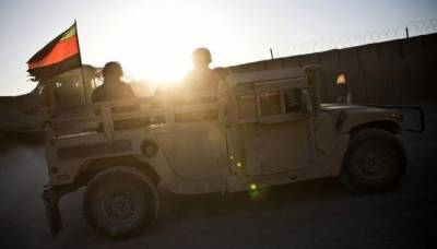 Afghan Taliban attack Kandahar Military Base, Near 100 soldiers dead, wounded