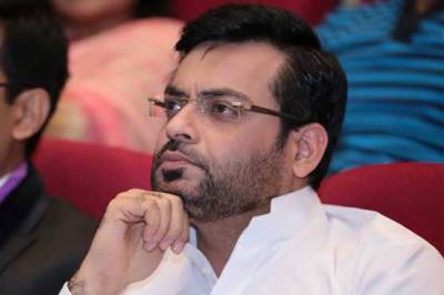 Amir Liaqat drops plan to join PTI at last moment