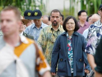 Taiwan President lands in US despite Chinese objections