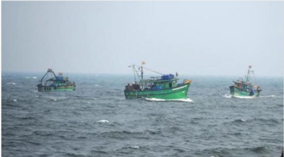 Indian BSF arrest Pakistani fishermen off coast Gujrat