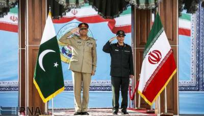 COAS General Qamar Bajwa warmly welcomed in Iran