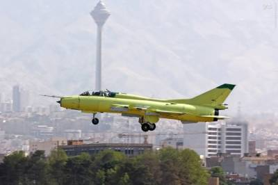 Iranian Airforce fighter jet crashes, Pilot killed