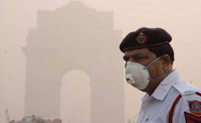 Pollution spikes in Delhi amid warnings no relief in sight