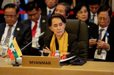 Myanmar's Suu Kyi meets Tillerson, UN chief on Rohingya crisis