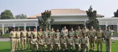 Pak army team winning exercise Cambrian patrol calls on COAS
