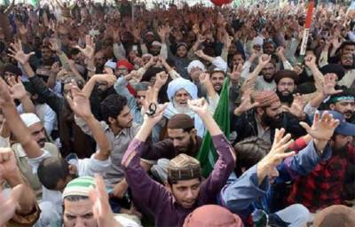 Negotiations underway in Islamabad between Protesters and administration
