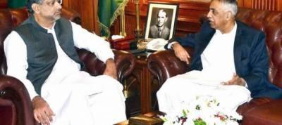 PM Abbasi meets Sindh governor Muhammad Zubair
