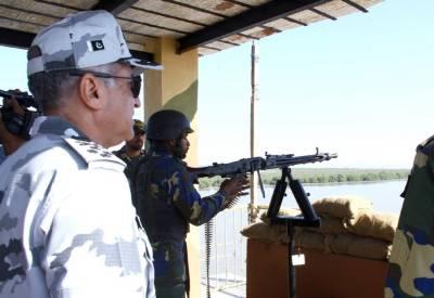 Pakistan Navy Chief visit forward base along Indian border