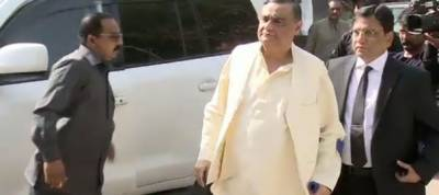 Dr Asim to leave for Britain tomorrow for medical treatment
