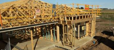 Australia business investment, home building on the rise
