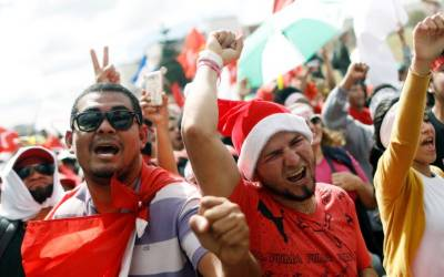 Election crisis engulfs Honduras with rivals neck-and-neck