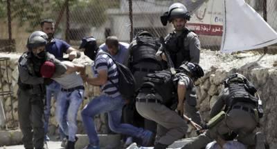 Israeli forces arrest Palestinians in West Bank