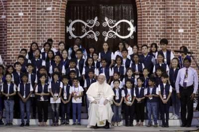 Pope heads to Bangladesh with Rohingya crisis looming large