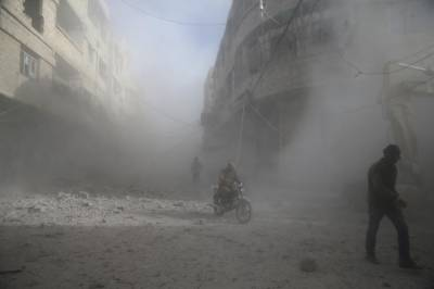 27 killed in Syrian air strikes