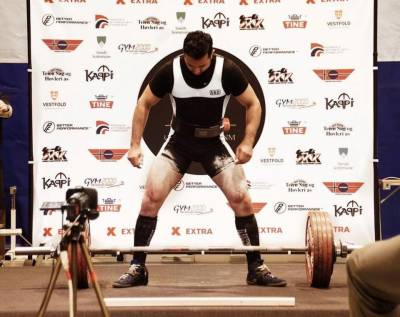Norwegian-Pakistani physician becomes Norway's powerlifting champion