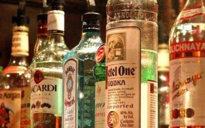 Police recovers huge quantity of imported liquor from MPA house