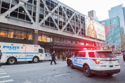 'Terror' bomber strikes New York subway, three hurt