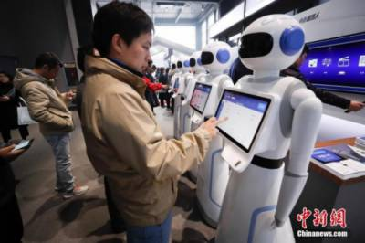 China produces over 100,000 industrial robots