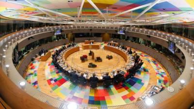 EU leaders fail to narrow east-west gap over migrants