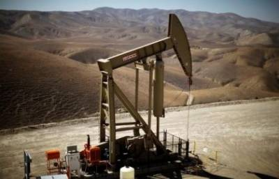 Oil stable on tighter market, but rising US output looms for 2018