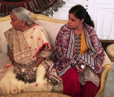 Kulbhushan Jadhav's mother, wife reach Foreign Office