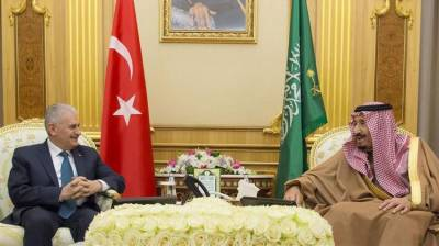 Saudi King - Turkish PM hold close door meeting