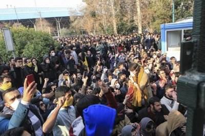 Iran protests: 12 killed as Protesters try to take over military base
