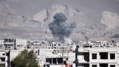 Heavy fighting, airstrikes near Syrian capital