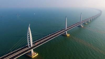 Major work on world's longest sea bridge completed