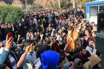 Massive arrests in Iranian capital during protests