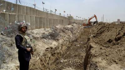 Pak Afghan border fencing to be accelerated to halt 70,000 people cross border movement daily