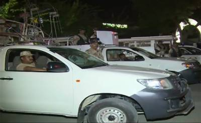 Three terrorists killed, two Rangers officials injured in an encounter in Karachi