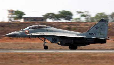 Indian Navy Mig-29K crashes during takeoff, pilot ejects