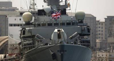 British Navy warship intercept Russian vessels in English Channel