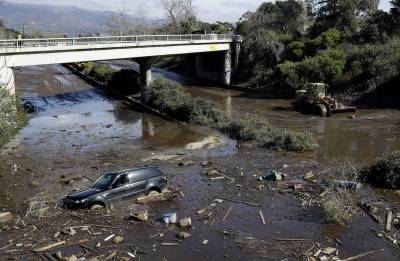 17 dead in California mudslides