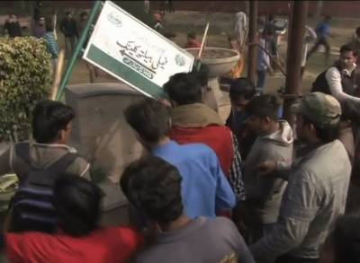Three police officials arrested in Qasur for opening fire on protesters