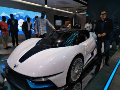 China to develop new energy intelligent cars