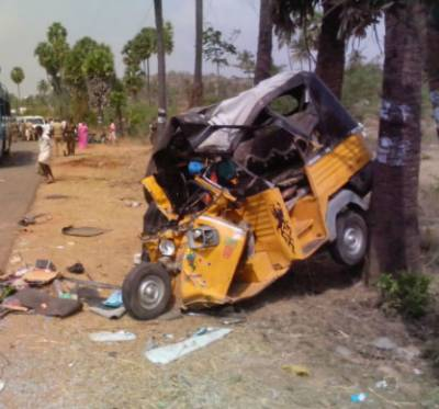 12 dead as Indian truck rams rickshaw