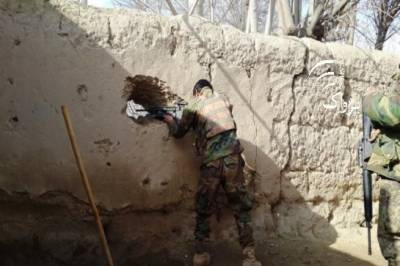Afghan Taliban attack several military checposts, at least 3 soldiers killed