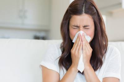 Suppressing a sneeze can be dangerous, doctors warn