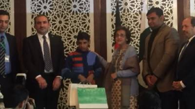 Pakistan reunites Afghan boy with his family