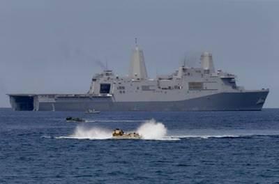 US warship pokes China in the South China Sea
