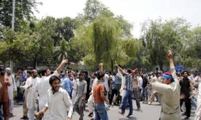 Clashes erupt between two rival student groups in Punjab University