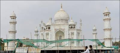 Iconic Taj Mahal is dying, warn experts