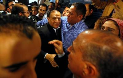 Egypt's former chief of staff arrested