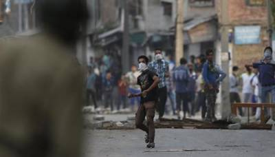 Indian Army convoy comes under attack in IOK, soldiers kill civilians in straight fire